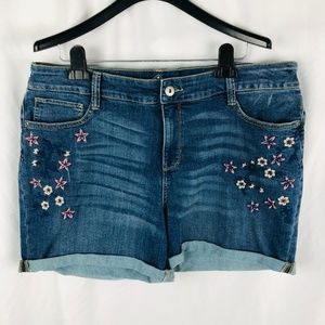 St. John's Bay Floral Embroidered Cuffed Shorts